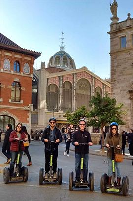 Bike tour e segway, i migliori tours per il centro storico e per la Città delle Arti e le Scienze.