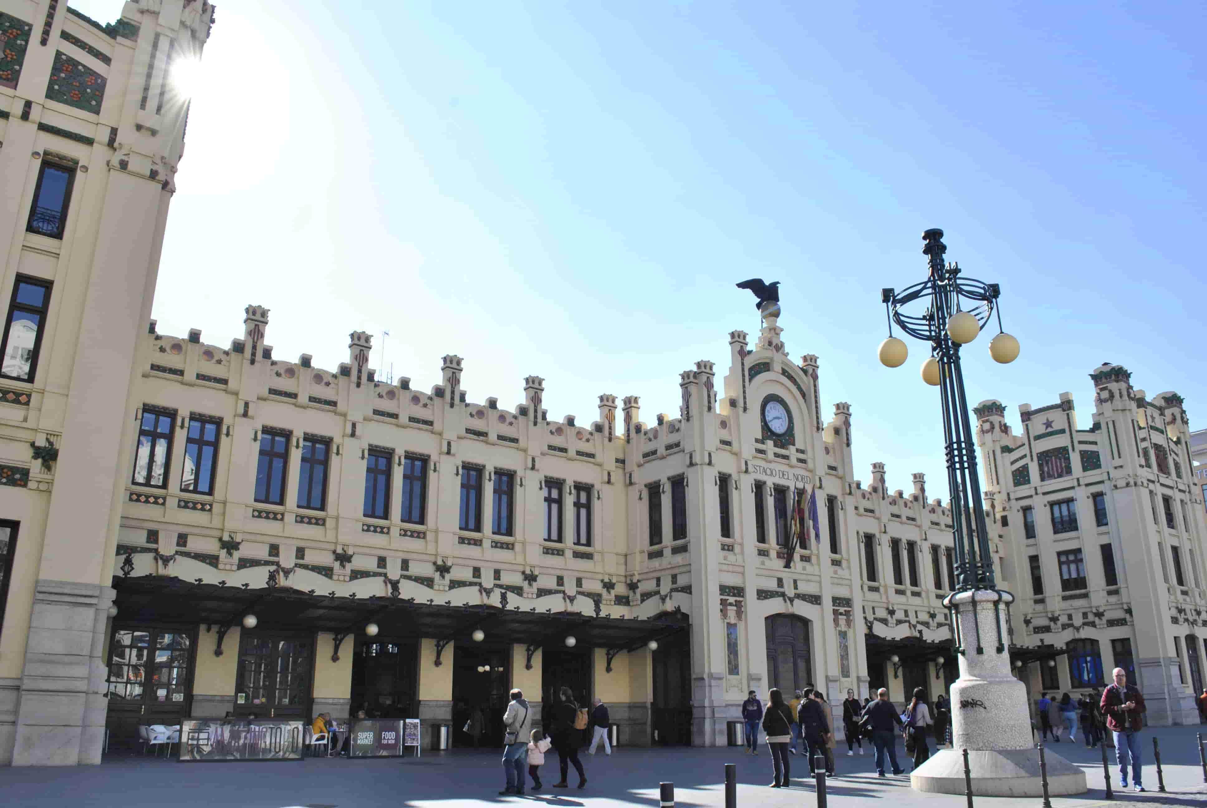 Los mejores guías turísticos y rutas de Valencia.